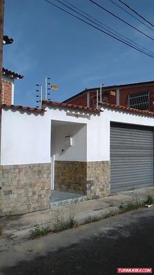 Casa Carrizal, Urb. Llano Alto.