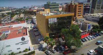Se Renta Oficina 280 M2 Mas Una Terraza, En El Piso Mas Alto (penthouse) Del Edificio San José En Zo