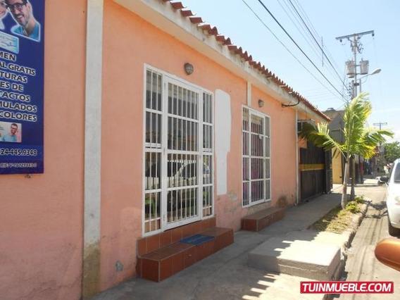Casa En Venta En Paraparal, Los Guayos 19-11553 Em
