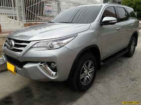 Toyota Fortuner 2.7 Sw4 At