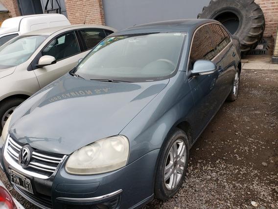 Volkswagen Vento Luxury 2.5 (agencia Todo Camion)