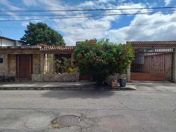 Casa En Venta Urb El Orticeño Cod. 20-4955