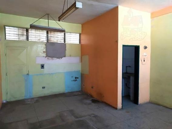 Oficina En Alquiler Zona Centro De Barquisimeto 20-9908 Jg