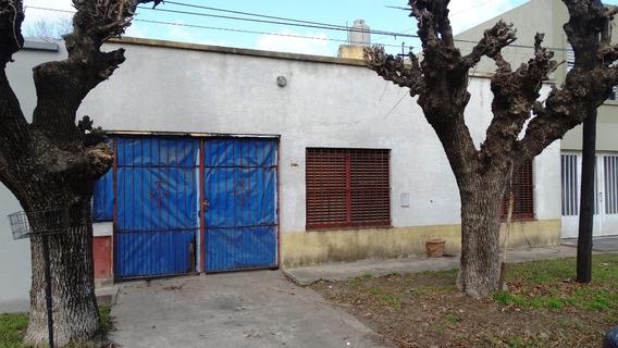 Casa En Venta 3 Dormitorios Los Hornos 68 E/ 137 Y 138