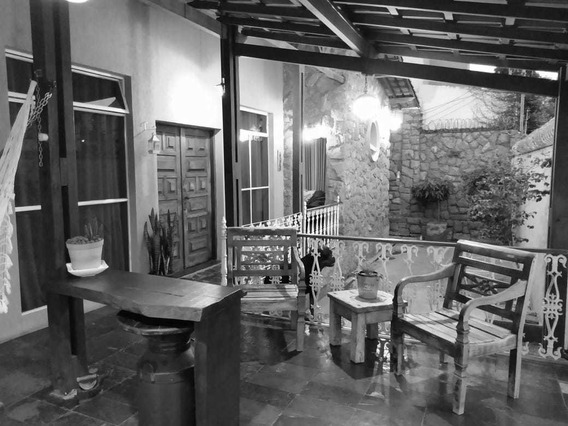 Linda Casa Reformada, 03 Quartos, Suíte,03 Vagas - 2768