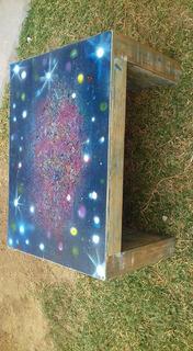 Mesa De Centro, Diseño Universo En Spray. Medidas 50x70x40
