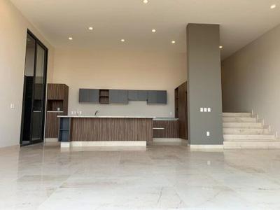 Estrena Residencia En Altozano, 3 Recamaras, 3.5 Baños, Sala Tv, Club Deportivo