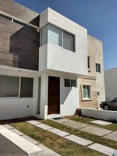 Preciosa Casa En Sonterra, 3 Recamaras, 2.5 Baños, Equipada, T.139 M2, Única!