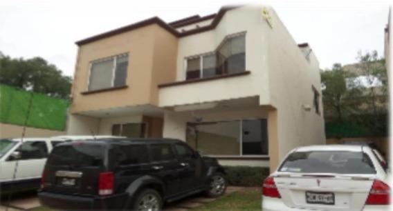 Casa De Remate Bancario Av Granjas, Fracc Los Alcalfores