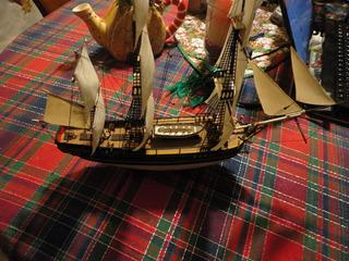 Barco Histórico Hms Bounty . 1/100, Revell.40cm. Hermoso!