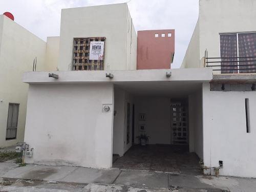 Casa En Venta En Renaceres Residencial, Apodaca