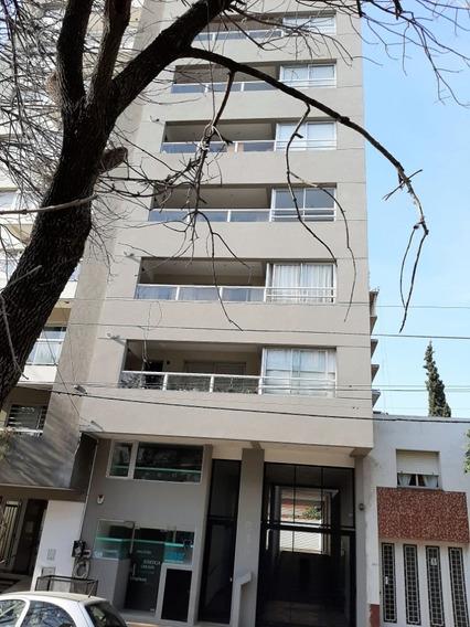 Alquiler Departamento 2 Dormitorios En La Plata Con Cochera