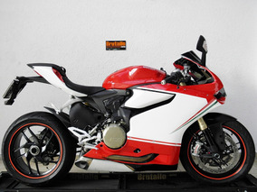 Ducati Panigale 1199 Superbike 2015 Vermelha