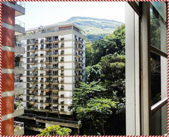 Apartamento Em Copacabana Próximo A Lagoa E Metro Com Vaga De Garagem E Infra Estrutura!!! - Ap962