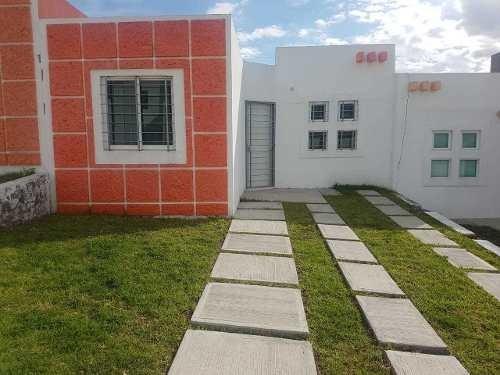 Casa En Venta 130 Metros De Terreno, Un Vivel Tres Recamaras