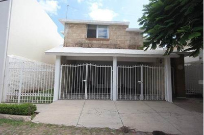 Casa En Venta Colonia Carretas Queretaro