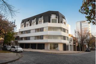 6 Y 39 - Particular - Duplex 1 Dorm Al Frente. Muy Luminoso