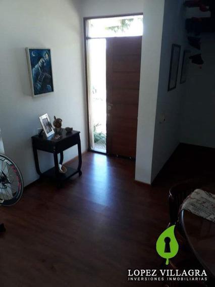 Casa En Venta En B° Cerrado La Estanzuela. 3 Dor. Pileta