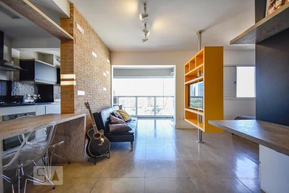 Studio No 14º Andar Mobiliado Com 1 Dormitório E 1 Garagem - Id: 892950079 - 250079