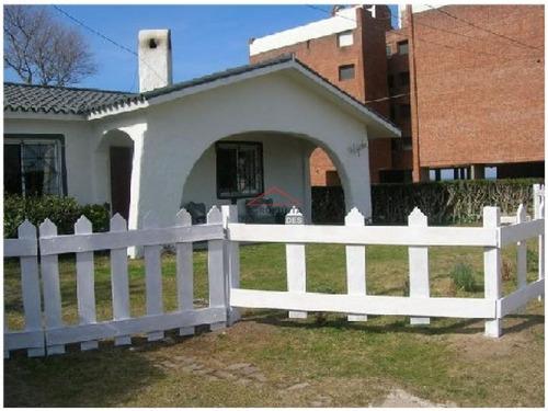 Casa En Playa Brava!- Ref: 3341