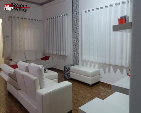 Belíssima Casa Com Edicula Assobradada No Centro De Peruíbe 4 Dormitórios Sendo 1 Suites E 1 Usado Escritório Outro Com Espaço Para Closet ,sala 3 Ambientes,wc Social,cozinha, Lav - Ca00988 - 327617