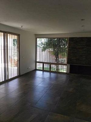 Casa Residencial En Venta Cumbres 2do Sector Monterrey N. L
