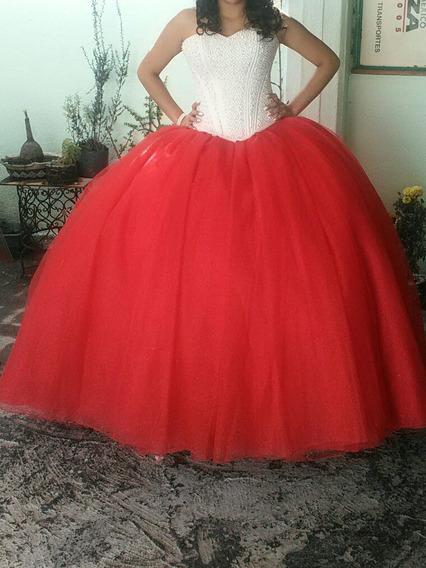 Vestido De Xv Color Rojo Corset Color Perla