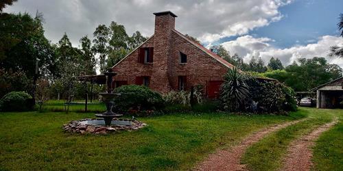 3 Hectáreas Con Gran Casa, Galpón , Piscina, Vista Al Rio