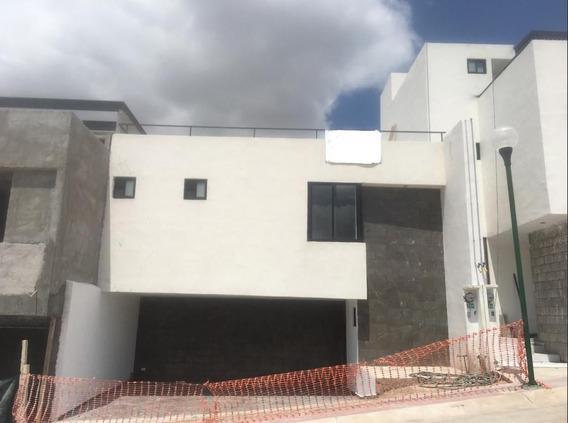 La Vista Casa De 2 Plantas