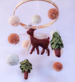 Mobile De Berço Mamãe Com Filhote Bambi Floresta