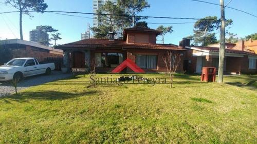 Casa En Venta Mansa 4 Dormitorios- Ref: 5624