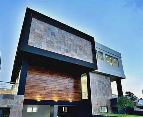 Excelente Residencia En Venta En Puerta Las Lomas En Guadalajara Excelentes Acab