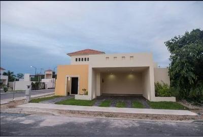 Hermosa Casa De 1 Planta Con Acabados De Lujo En Privada En Conkal