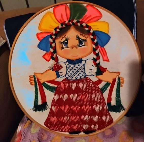 Servilleta Bordada Y Pintada Muñequita Masahua