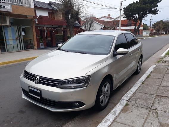 Volkswagen Vento 2.5 Luxury 2011