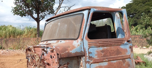 Imagem 1 de 8 de Ford F75 Cabine Lata F75 Lataria Cabine