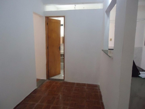 Casa Em Jardim Santa Rosa, Taboão Da Serra/sp De 125m² 1 Quartos Para Locação R$ 700,00/mes - Ca394344