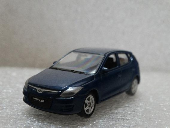 Hyundai I30 Azul - Welly - 1:64 - Loose