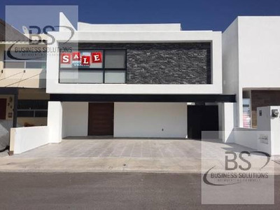 Gps / Casa En Renta En Lomas De Juriquilla, Queretaro