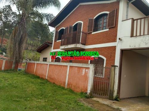 Bela Casa Com Piscina No Centro De Jambeiro - 1175