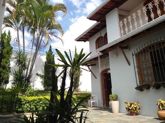 Casa De Esquina Bairro Itapoã. 4 Suites, Piscina, 3 Vagas. Amplo Jardim E Localização Top - 2424