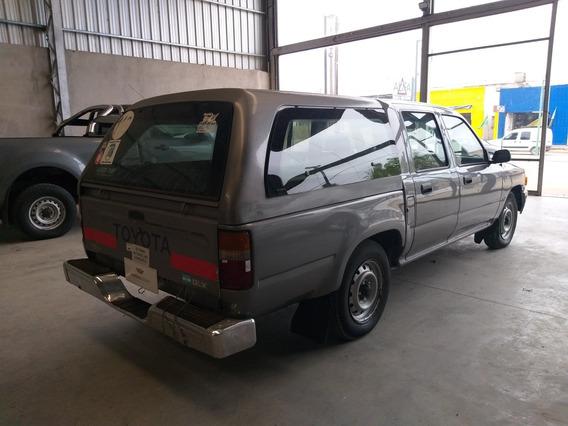 Toyota Hilux 2000 2.8 D/cab 4x2 D Dlx