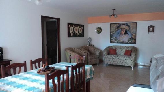 Apartamentos En Venta En Urb. El Parque 21-6386 Rg
