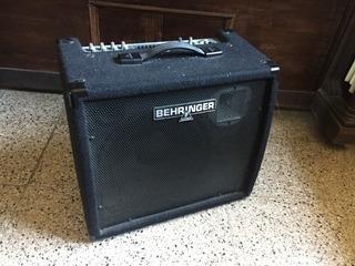 Amplificador Berhinger Ultratone 1800 De Teclado