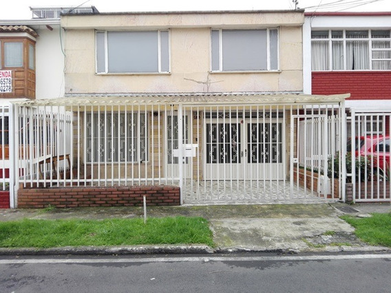 Excelente Casa En El Barrio Sevilla Para Arriendo