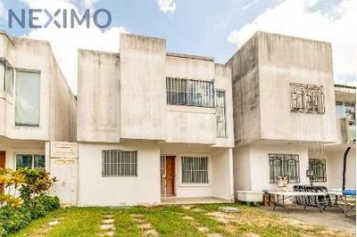 Casa A La Venta En Quinta Kavanayen, Polígono Sur, Cancún