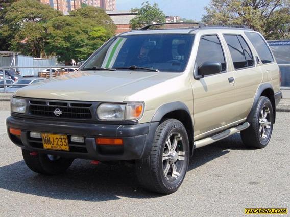 Nissan Pathfinder R50 4x4