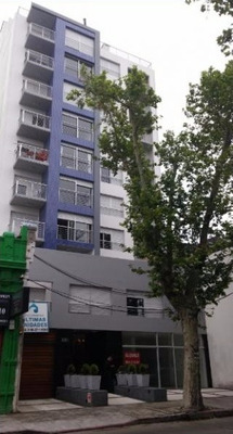 Apartamentos En Venta Riviera Marina 2 Dormitorios Pocitos
