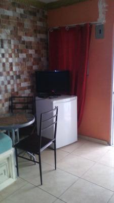 Estudio Amueblado, Zona Colonial, Cerca Hospital, Malecón
