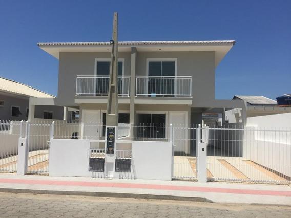Amplo Espaço De Fundo(10x6) - Sobrado 2 Dormitorios - Palhoça - Garagem Coberta - So0502